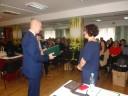Wręczenie dyplomu przez Wiesława R Drożdżyńskiego – wicedyrektora dla Agnieszki Rutkowskiej